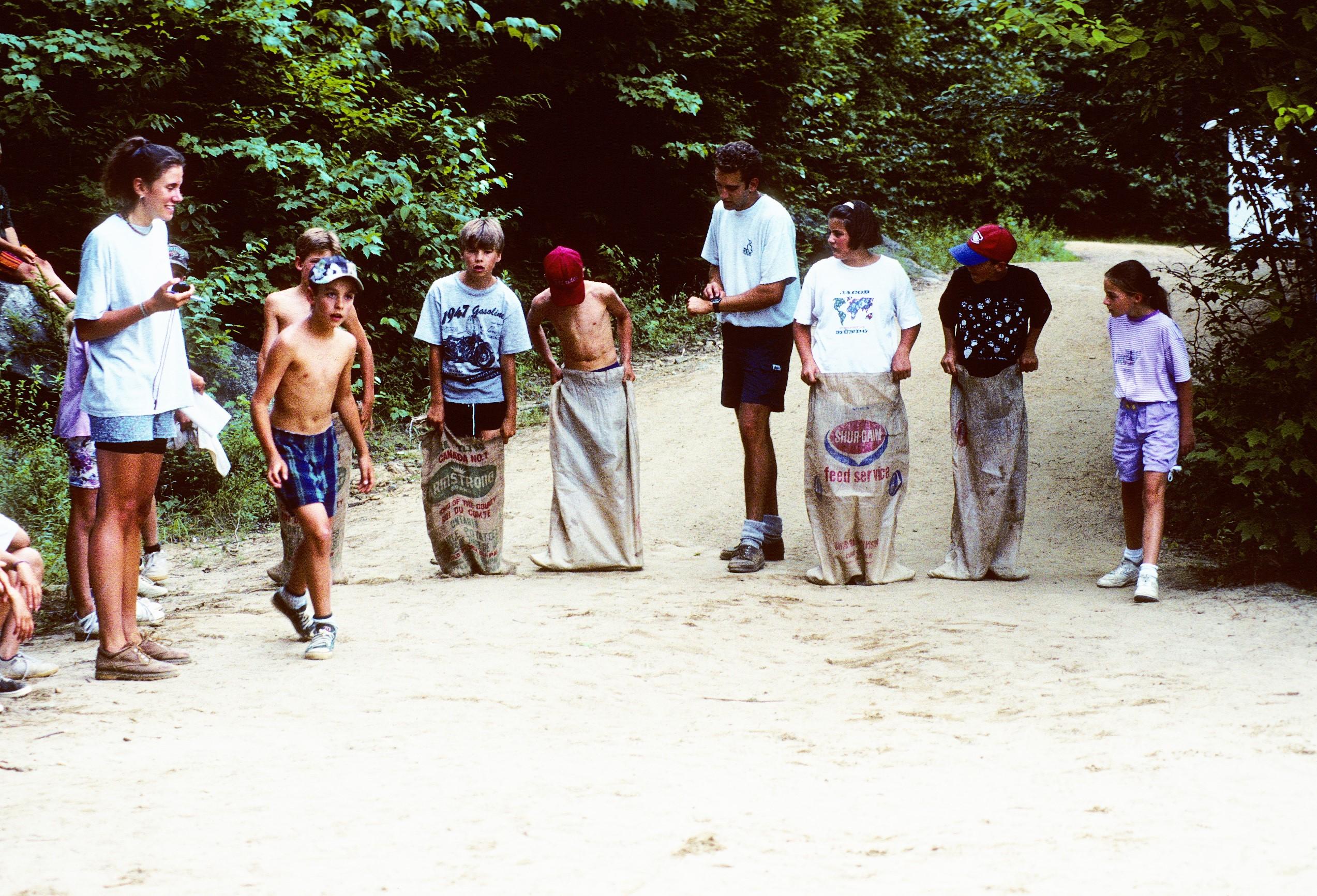 L'arrivée des filles au camp